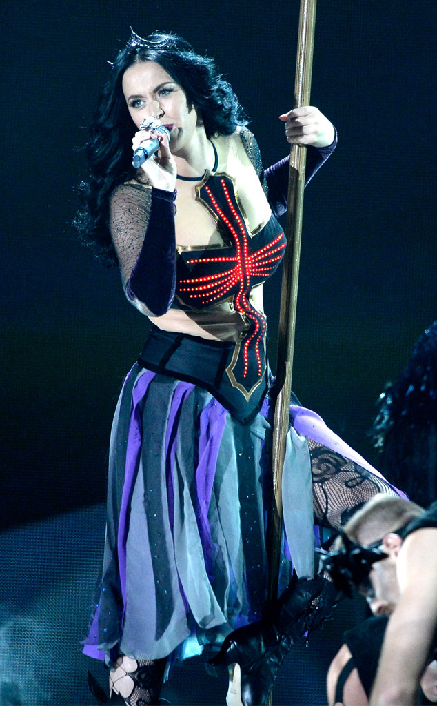 rs_634x1024-140126174843-634.Katy-Perry-GRAMMY-jmd-012614