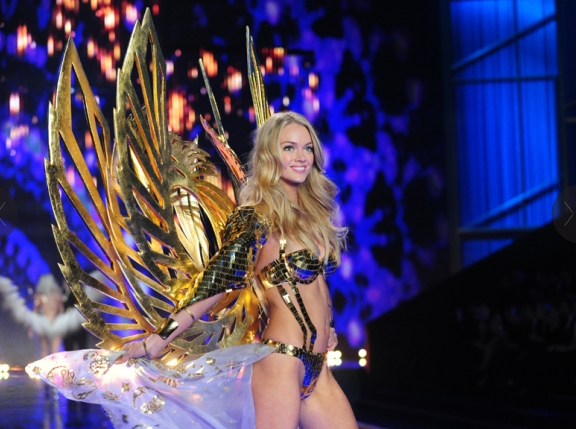 Victoria's Secret Fashion Show  gold wings
