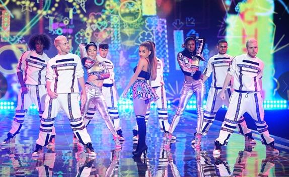 Victoria's Secret Fashion Show Ariana Grande