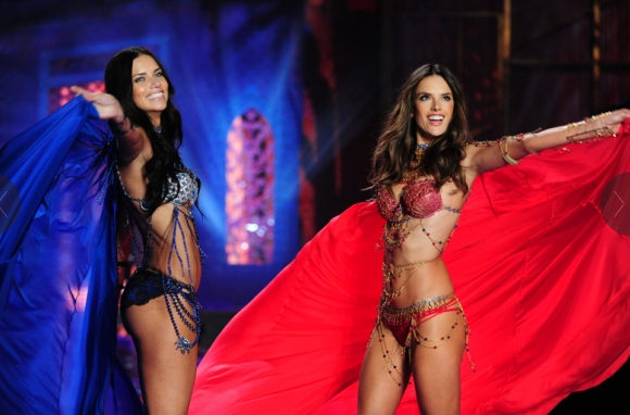 Victoria's Secret Fashion Show alessandra and adriana
