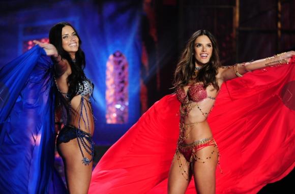 Victoria's Secret Fashion Show alessandra and adriana